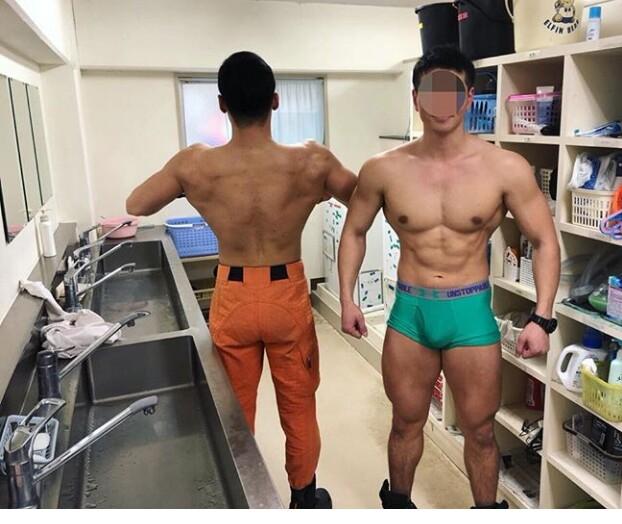 【股間の】男のもっこりが好きなゲイ30【主張】 YouTube動画>4本 ->画像>219枚