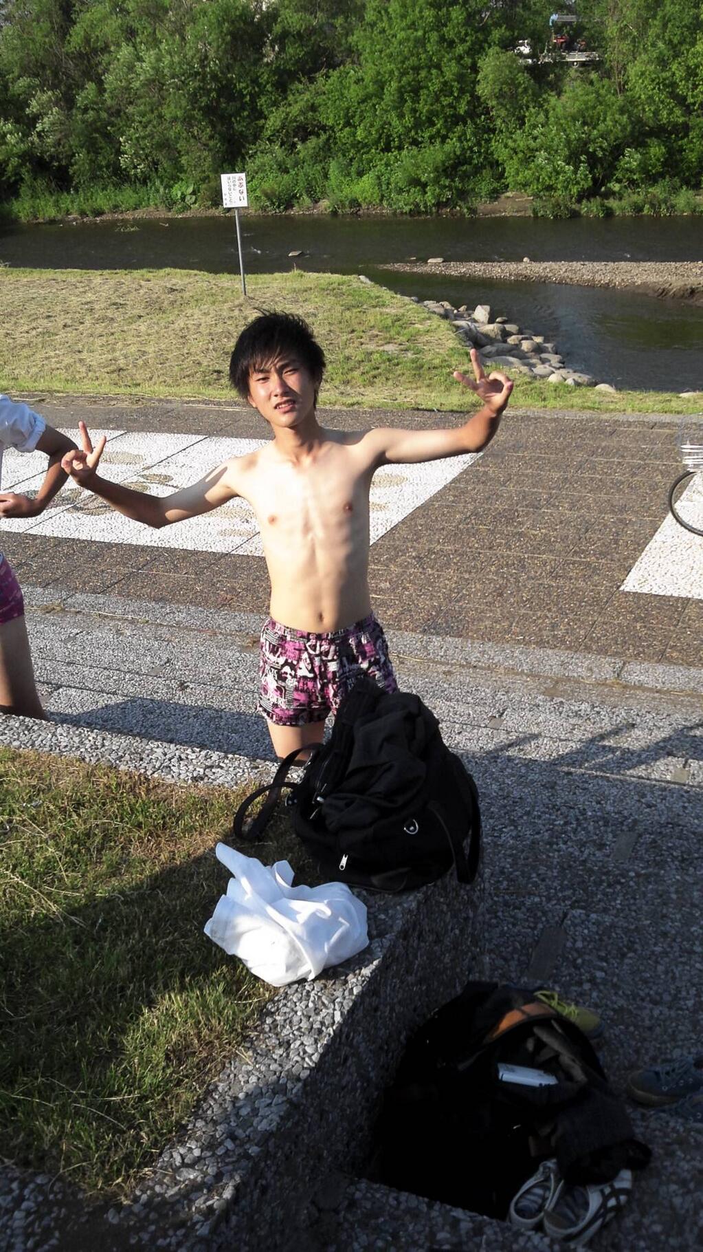 若いイケメンのパンツ姿・パンチラYouTube動画>3本 ->画像>174枚
